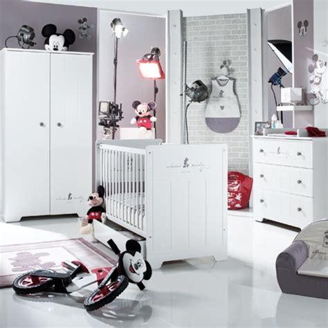chambre bébé mickey chambre mickey de la sélection sauthon fête des