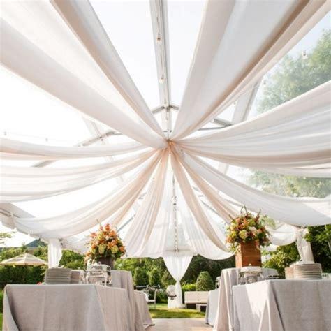 tenture decoration mariage geante en tulle  metres