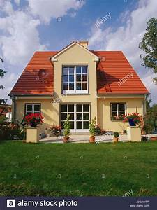 Tiny House Germany : small house with a garden red gabled roof dormer erding bavaria stock photo royalty free ~ Watch28wear.com Haus und Dekorationen