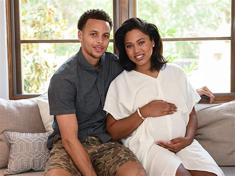 stephen curry   wife ayesha curved