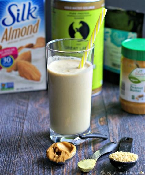 ½ cup of almond milk (unsweetened preferably) once you've the ingredients, just blend them together and the sweet yet healthy smoothie is ready. Filling Low Carb Peanut Butter Smoothie   Recipe   Keto smoothie ...