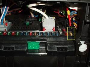 Fusible Autoradio : localisation fusible alimentation prise 12 v pour 307 peugeot m canique lectronique ~ Gottalentnigeria.com Avis de Voitures
