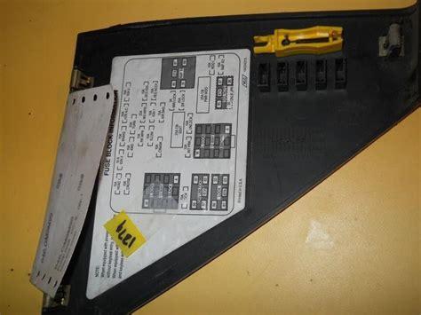 Gmc 1500 Fuse Box by Sell 99 Gmc 1500 Fuse Box Cover Dash Interior