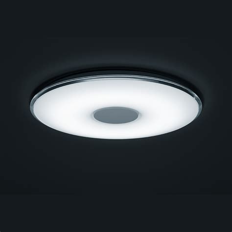 leuchte mit fernbedienung und verstellbarer lichtfarbe
