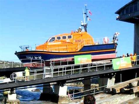 Brighton Fishing Boat Accident by Valparaiso Lifeboat Doovi
