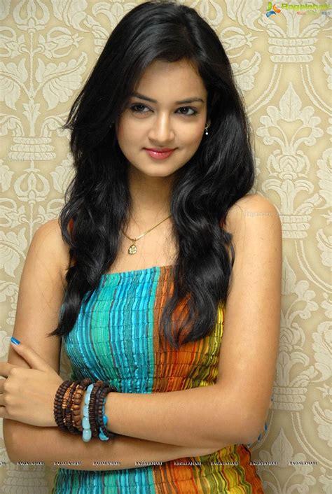 Cute and beautiful south indian actress shanvi srivastava high definition photos. Shanvi Ragalahari / Shanvi Srivastava Biography / Sushanth ...