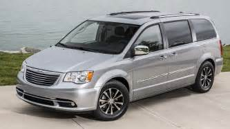 2015 Chrysler Town & Country Reviews