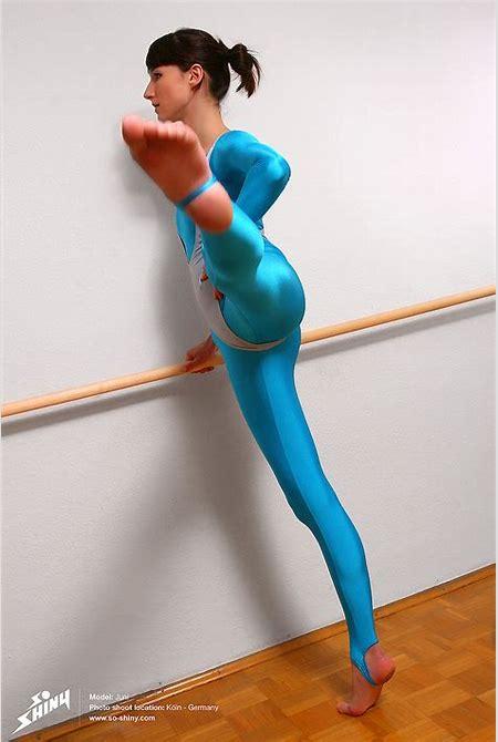 Ballet Girls   Nude ballet dancers