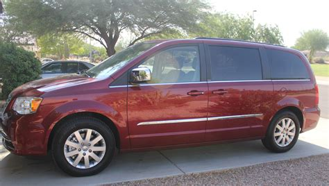 Family Chrysler by Family Of 5 Vehicle Search Chrysler Town Country