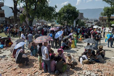 nepal      hit  earthquakes time