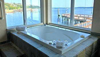 hotel in seattle with tub in room washington state tub suites hotel in room whirlpool