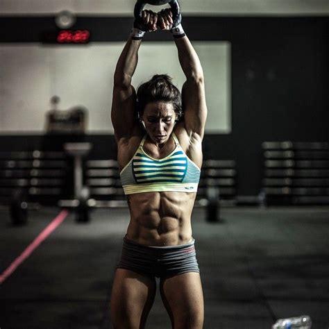 kettlebell miranda oldroyd crossfit swings kettlebells swing abs athlete workouts fitness female american woman weights lift