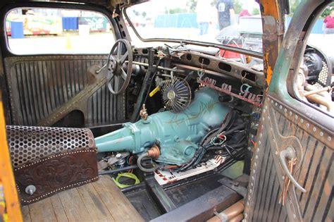gnarly ratrod interior   exposed transmission