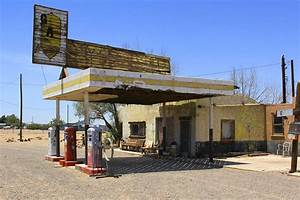 An Abandon Gas Station On Route 66 Photograph by Mike