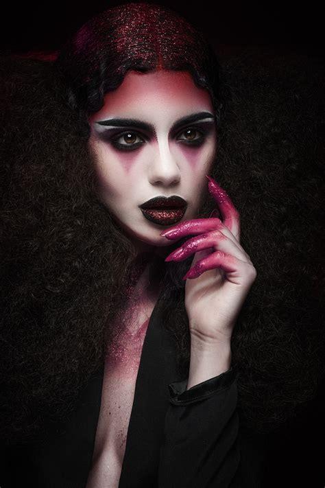vampire kiss   august    pleasure karla