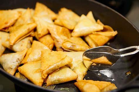 recette de cuisine reunionnaise recette samoussas réunion recettes réunionnaises samoussa