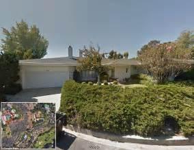 elon musk house elon musk gobbles up 70million worth of bel air mansions