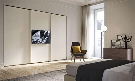 Armadi Con Vano Tv by Armadio Con Televisore Incorporato Prezzi Armadio Porte