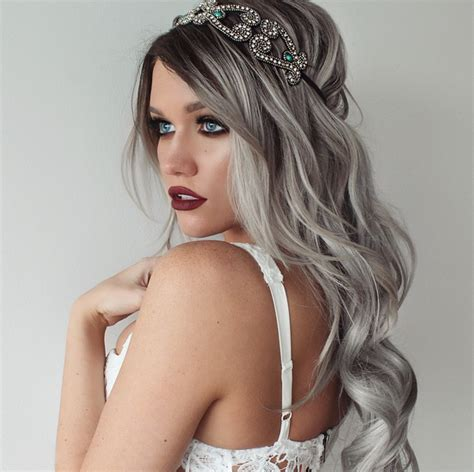 detail    dye  hair gray