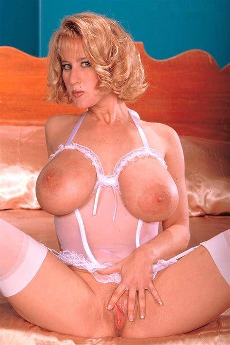 Nude Share Hugeboobs Tabatha Jordan Spreading