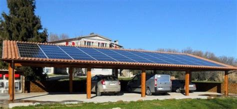 tettoie fotovoltaiche pensiline fotovoltaiche cosa sono e quanto costano le