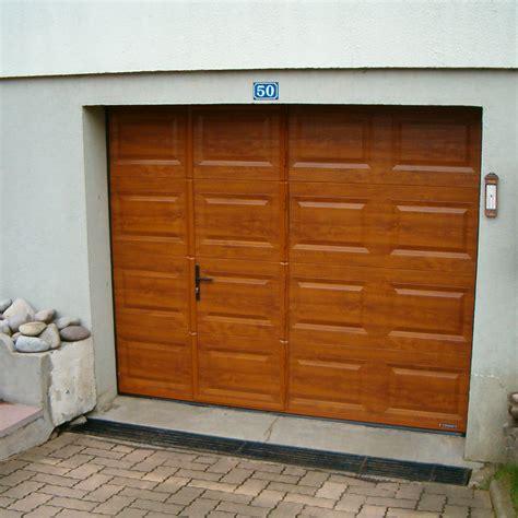 porte de garage avec portillon porte de garage sectionnelle avec portillon la toulousaine