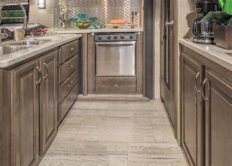 luxury kitchen cabinets vr steve driver 2017 venom fifth wheel hauler 3911