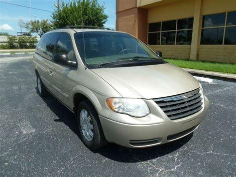 Sell Used 2005 Chrysler Town Country Touring Loaded Fl Van