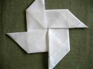 Pliage Serviette Moulin A Vent : folding a napkin into a pinwheel ~ Melissatoandfro.com Idées de Décoration