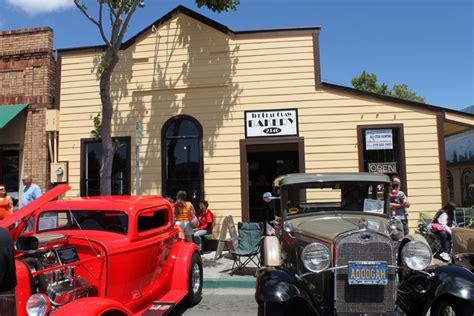 Coffee shop, espresso bar, cafe. BearClaw Bakery Home