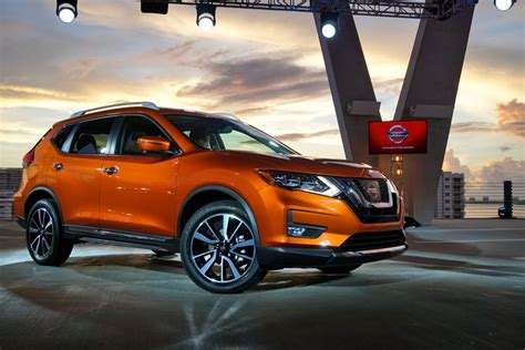All-new 2017 Nissan Rogue & 2017 Nissan Rogue Hybrid Revealed