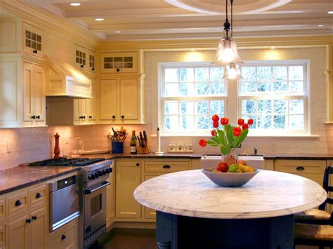 kitchen chandeliers kitchen chandeliers pendants and cabinet lighting diy