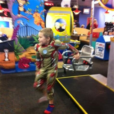 chuck e cheese phone number chuck e cheese s 16 reviews pizza 910 hilltop dr