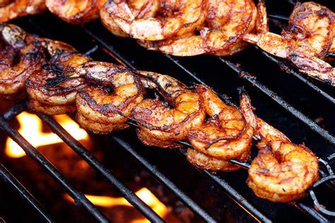 shrimp on the grill bbq grilled shrimp jennifer cooks