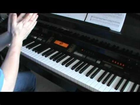 play piano  accompaniment   fingers