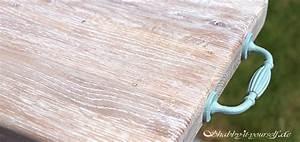 Lackiertes Holz Streichen Ohne Schleifen : white wash so geht 39 s gekalkte oberfl chen auf holz und ~ Whattoseeinmadrid.com Haus und Dekorationen