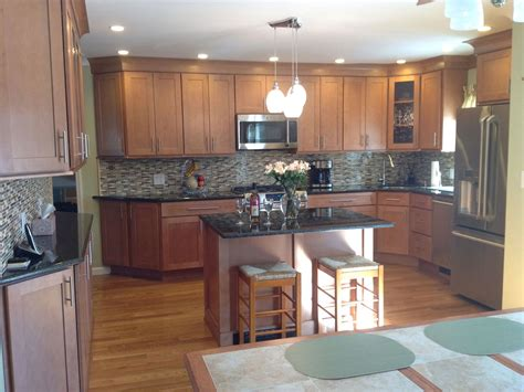 Large Kitchen Has Semi Custom Maple Cabinets In A Shaker