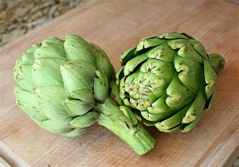 Images Of Artichokes Steamed Artichokes Recipe Dishmaps