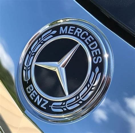 The silver color depicts sophistication, creativity and perfection, whereas the black. Black Star! Photo by @MBPassion #Mercedes #MercedesBenz #Black #Beautiful #Star #SoloStar #Badge ...