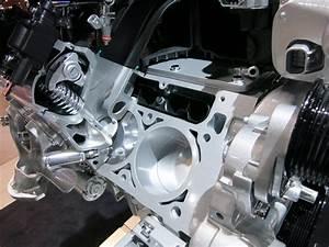 La Auto Show 2013  Ls Engine Cut Aways