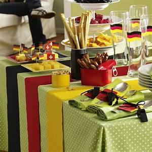 Fussball Deko Für Kinderzimmer : party deko f r den fu ball abend fu ball und deutschland pinterest fu ball party und deko ~ Sanjose-hotels-ca.com Haus und Dekorationen
