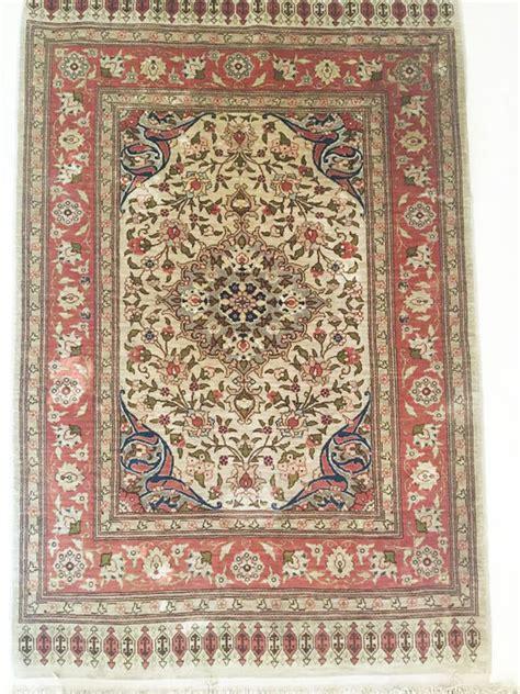 tappeti hereke tapis turc hereke soie sur soie avec fils d or blanc
