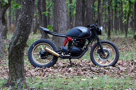 Karizma Modified Cafe Racer by 36moto Does A Deadlift With This Karizma The Bike License