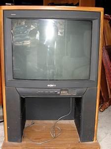 New England Treasure Seekers  27 Inch Sony Trinitron Tv