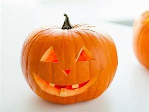 Une Citrouille Pour Halloween : trucs pour prolonger la vie de vos citrouilles d 39 halloween ~ Carolinahurricanesstore.com Idées de Décoration