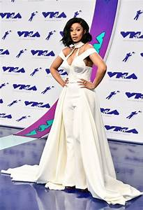 VMAs worst dressed: Demi Lovato flashes her nipples in ...