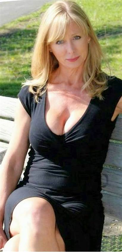 Older Woman Gorgeous Mature Moms Lady Aged