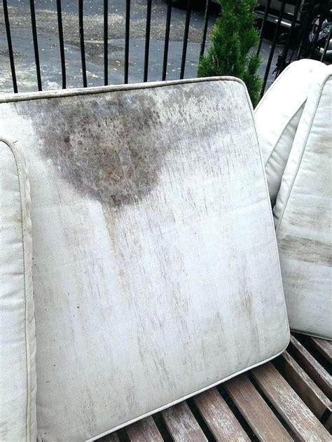ways  clean outdoor cushions topcleaningtipscom