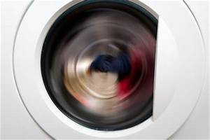 Waschmaschine Bewegt Sich Beim Schleudern : so w scht ihre waschmaschine leise ~ Frokenaadalensverden.com Haus und Dekorationen