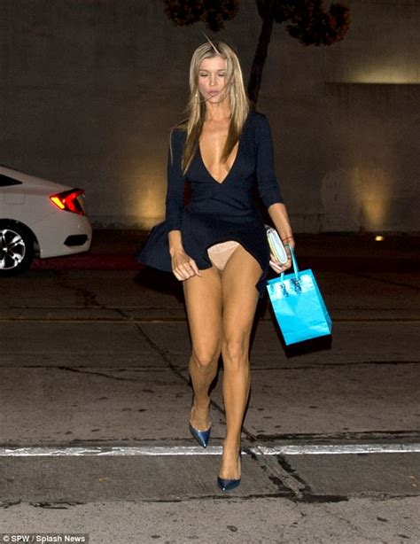 Joanna Krupa Flashes Nude Knickers In Wardrobe Mishap